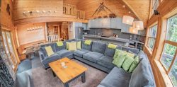 Pinnacle Ridge 6 bedroom :: Ski in/out, private hot tub Main Photo