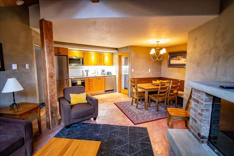 3 Bedrooms,  2.5 BA, Short Walk to Whistler Gondola Main Photo