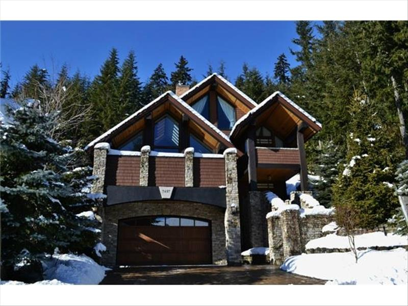 5000 Sq Foot Luxury Chalet :: 4 Levels, Big Views, Hot Tub Main Photo