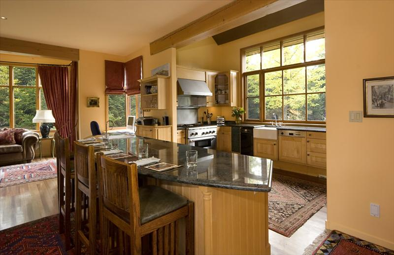 Five Bedroom Whistler Rental Home - The Bears Den Whistler Main Photo